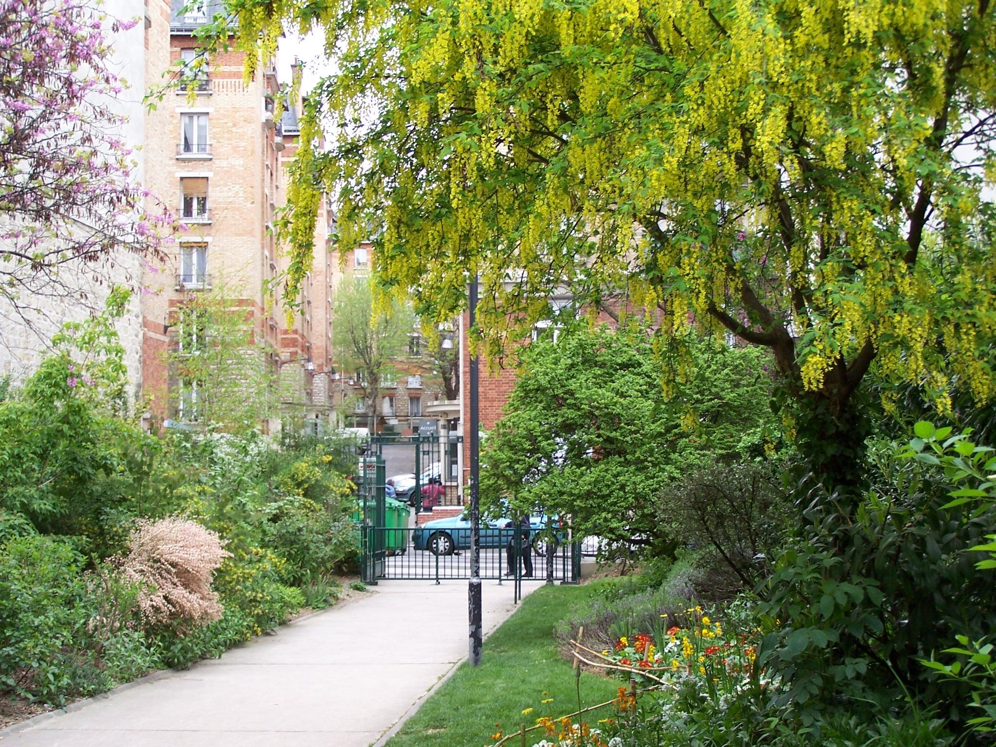file jardin 54 rue de f camp entr e jpg wikimedia commons. Black Bedroom Furniture Sets. Home Design Ideas