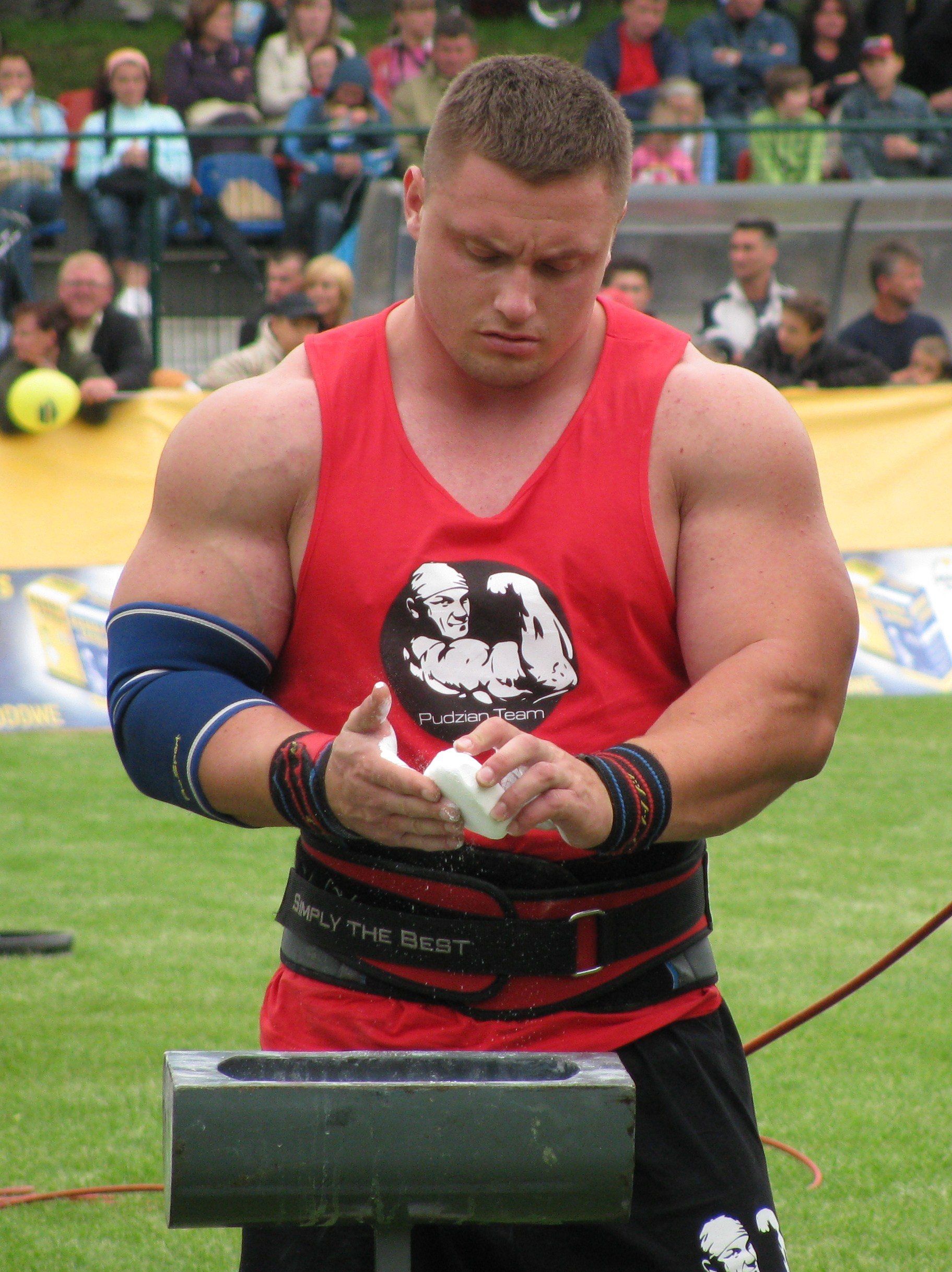 Krzysztof Radzikowski Biography - Strongman Champions League 2016