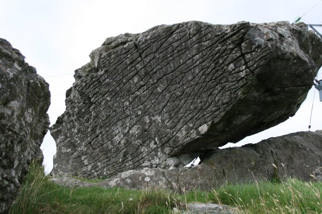File:Lewissian Gneiss Boulder.jpg - Wikimedia Commons