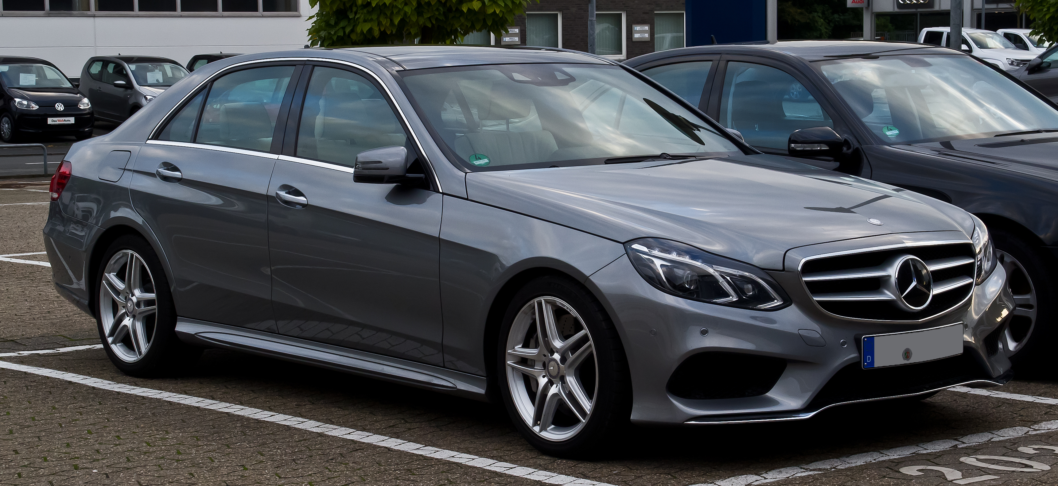 File mercedes benz e 250 avantgarde sport paket amg w 212 for Mercedes benz e 350 2013