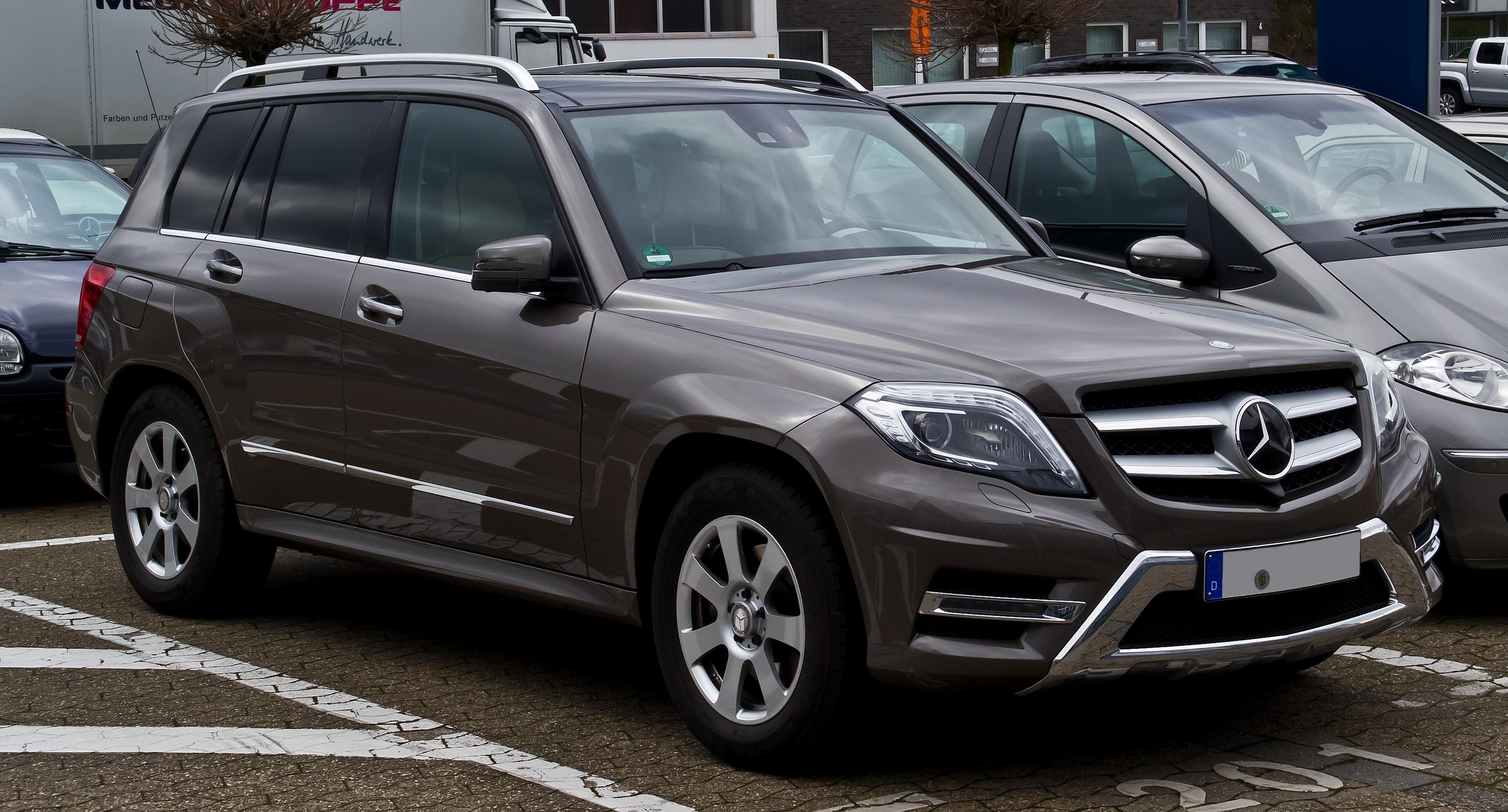 File:Mercedes-Benz GLK 250 BlueTEC 4MATIC Sport-Paket AMG