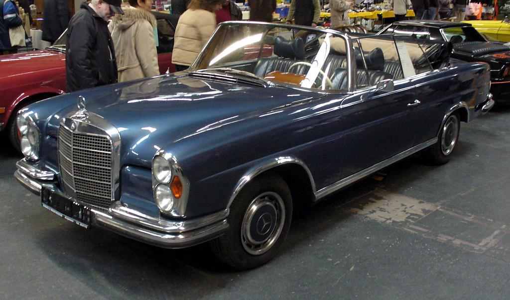 Mercedes benz w112 for Mercedes benz 220s