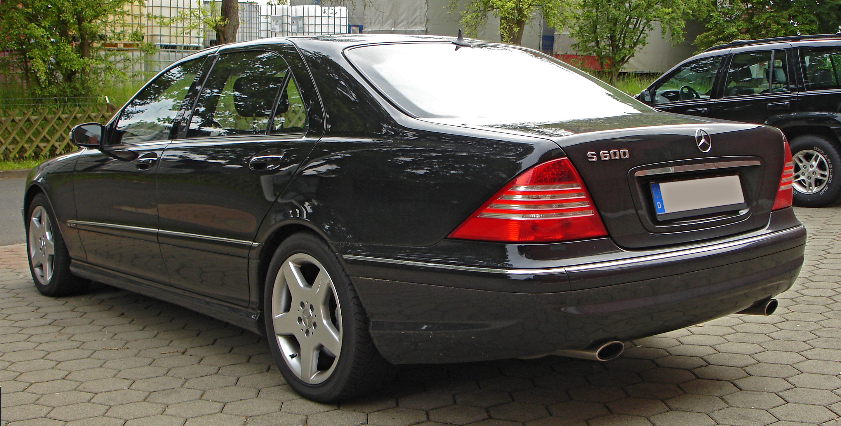 File Mercedes S600 Rear Jpg Wikimedia Commons