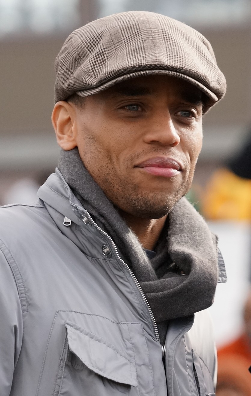 The 45-year old son of father (?) and mother(?) Michael Ealy in 2018 photo. Michael Ealy earned a  million dollar salary - leaving the net worth at 3 million in 2018