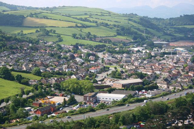 Mochdre from Bryn Euryn - geograph.org.uk - 823230