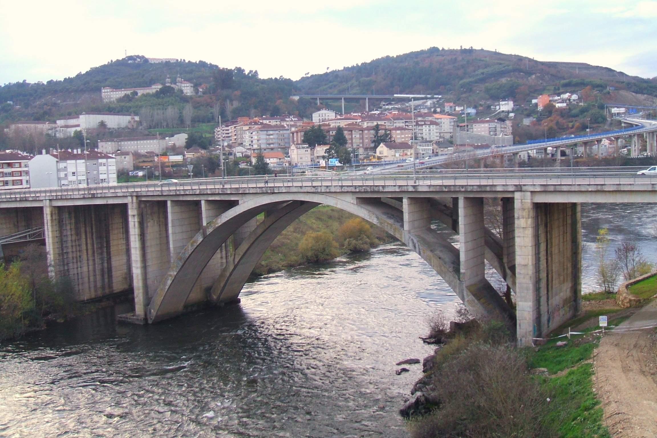 File:Orense - Puente.jpg - Wikimedia Commons