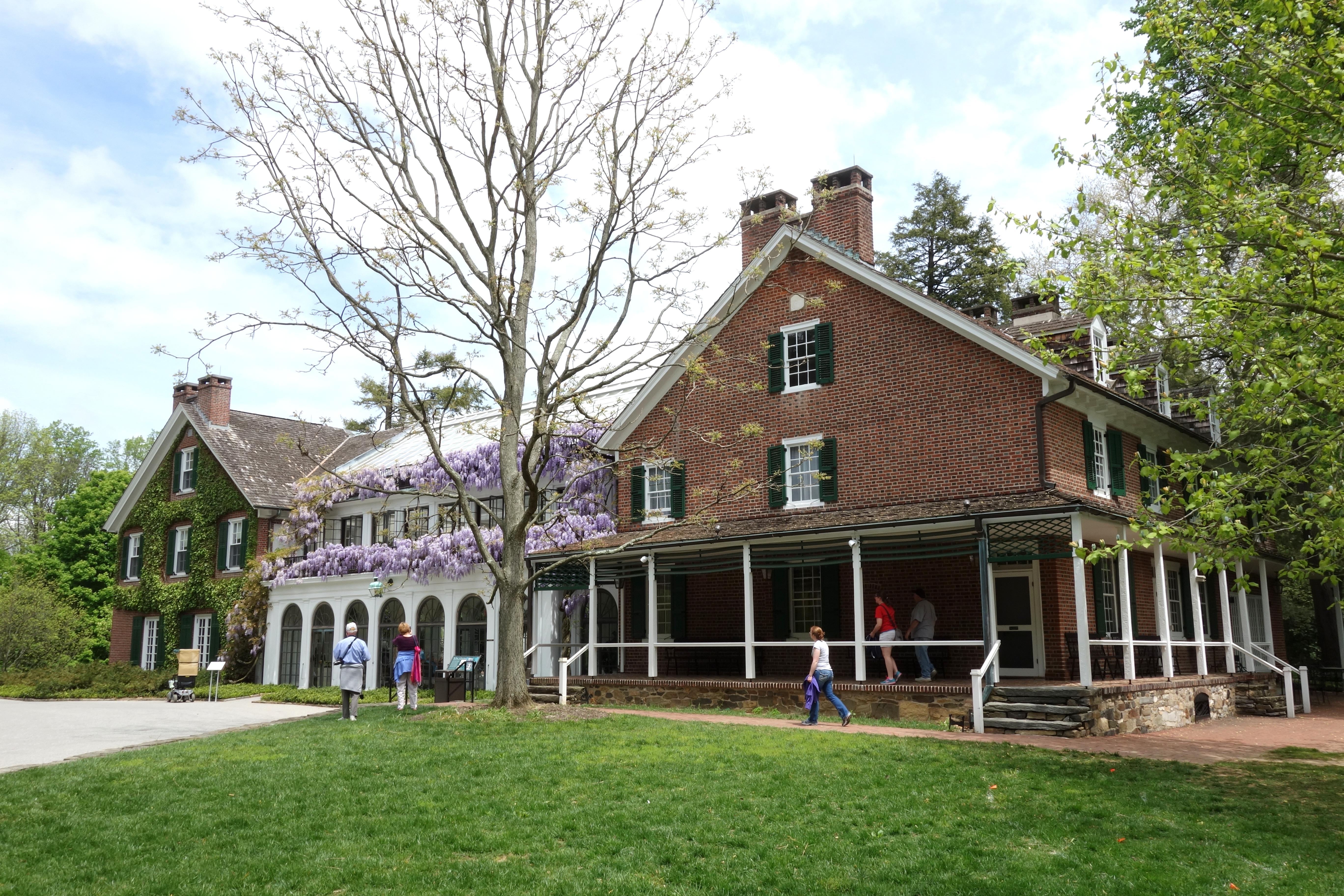Dupont gardens in pennsylvania garden ftempo for Longwood house