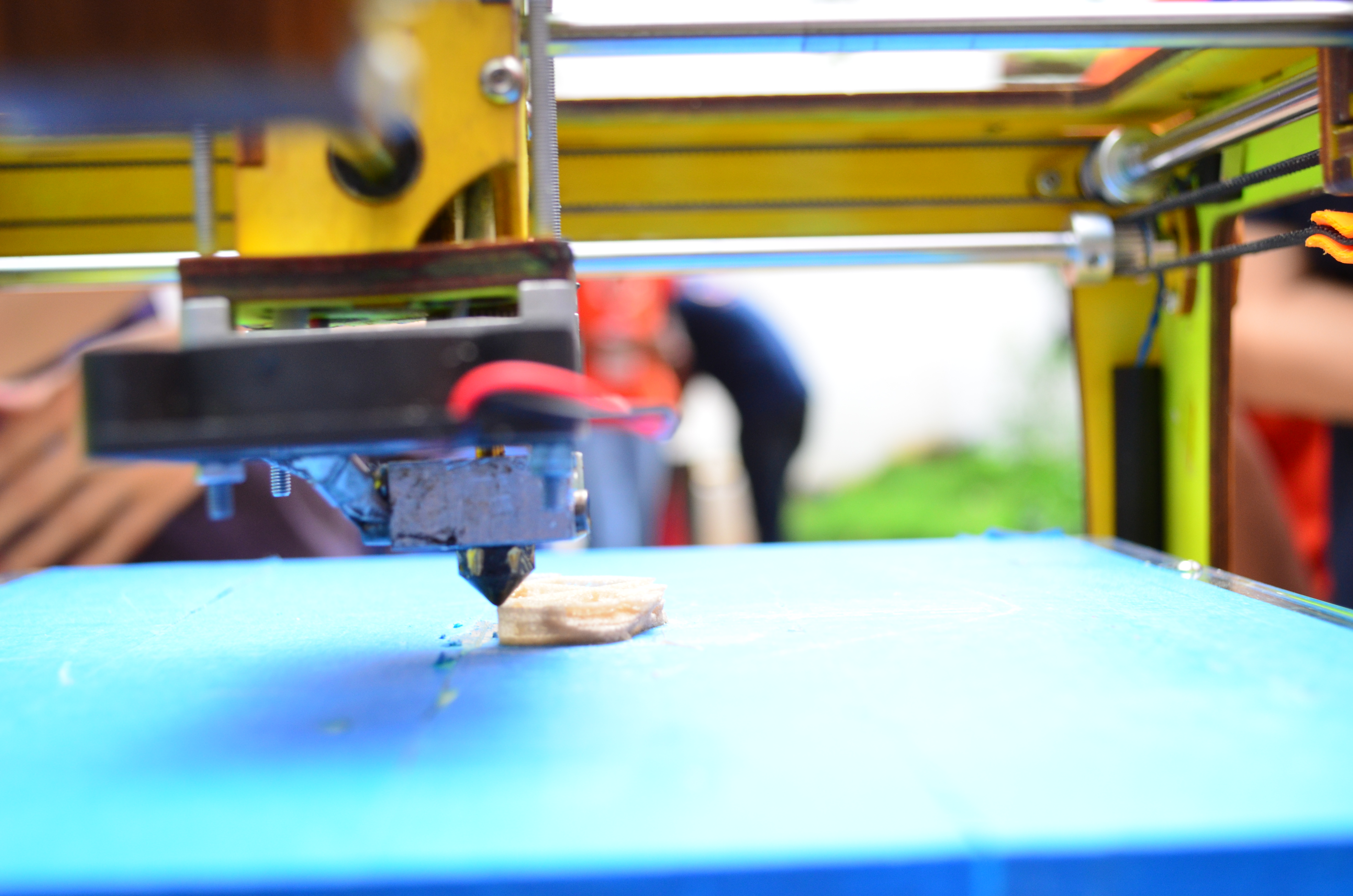 Printing_with_a_3D_printer_at_Makers_Party_Bangalore_2013_12 Why 3D Printing Faces Cybersecurity Risks