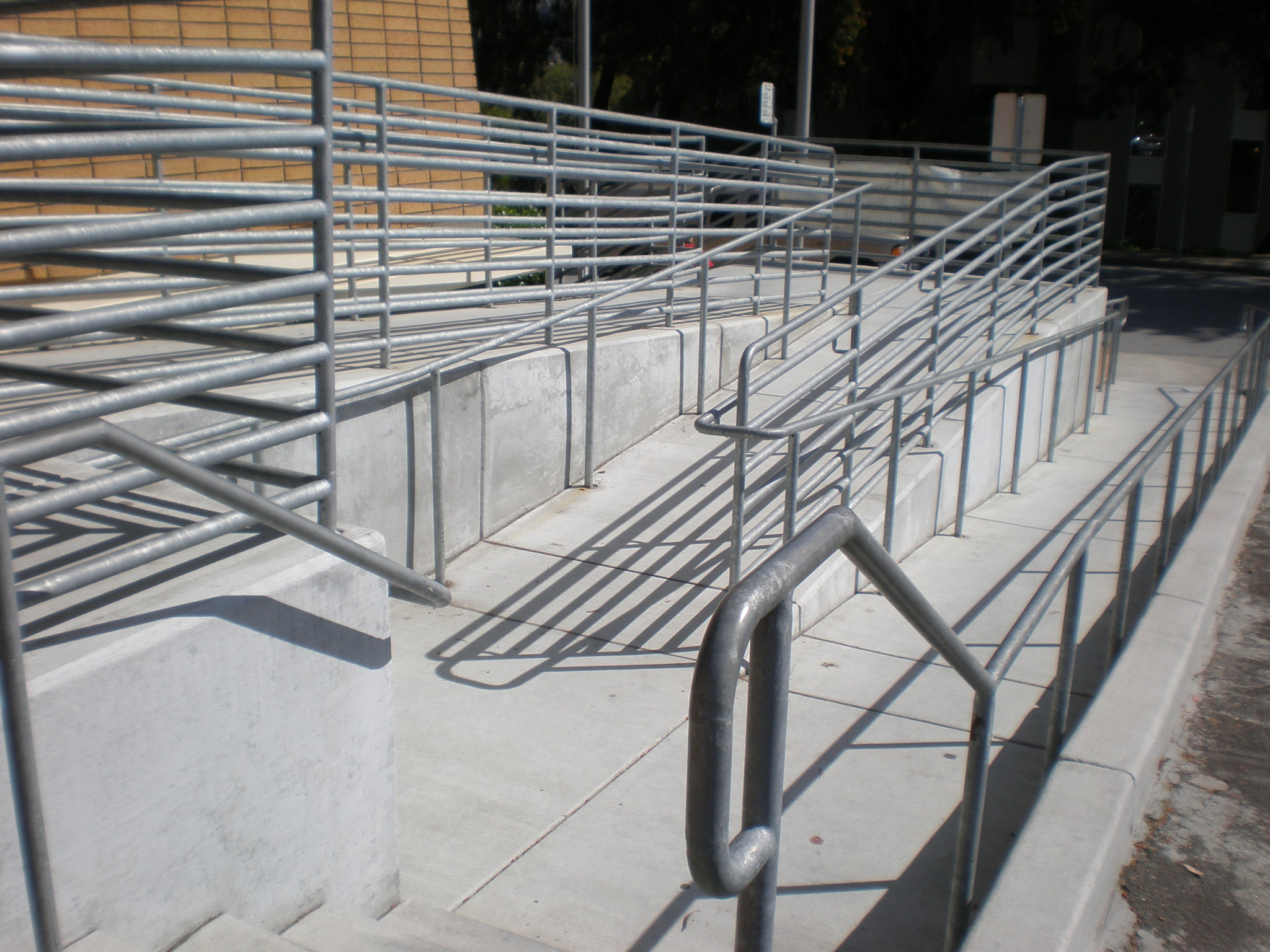 File SSF Main Library wheelchair ramp 1 JPG Wikimedia mons