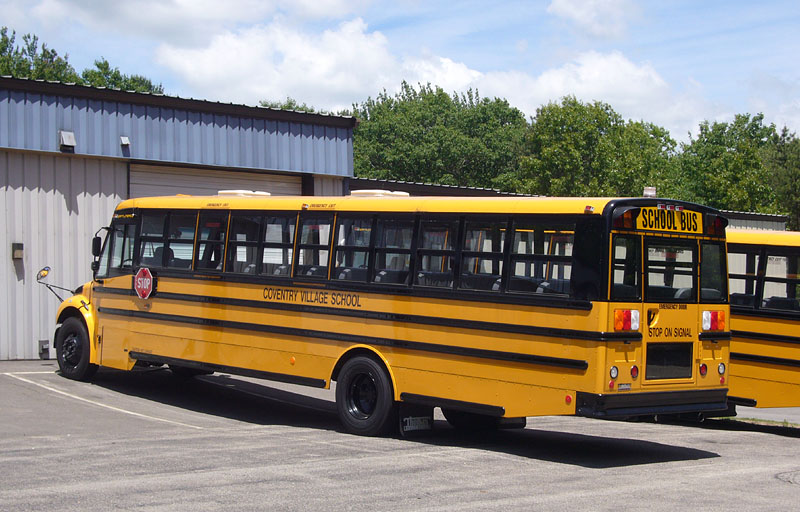 Thomas Built Buses >> File:School bus - Thomas - Saf-T-Liner C2 - rear view ...