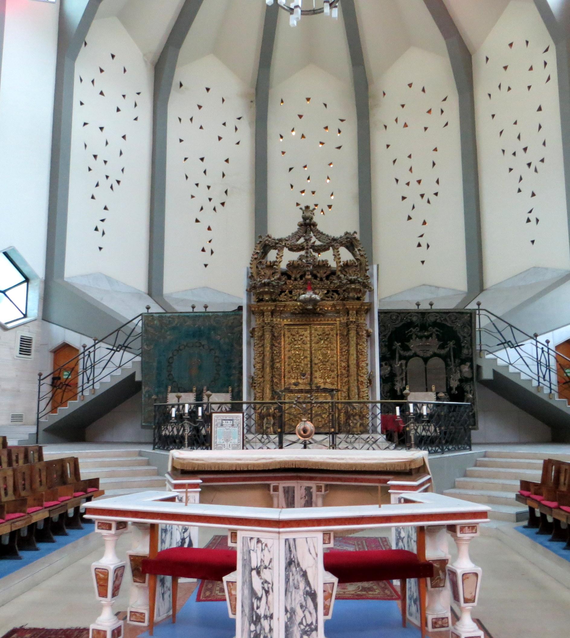 File:Sinagoga di Livorno interno.JPG - Wikipedia