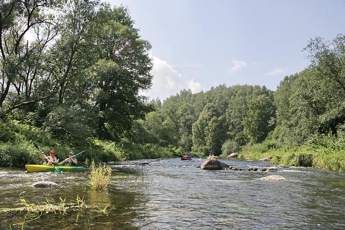 Река Ширвинта у д. Упнинкай. Foto:Iulius at en.wikipedia