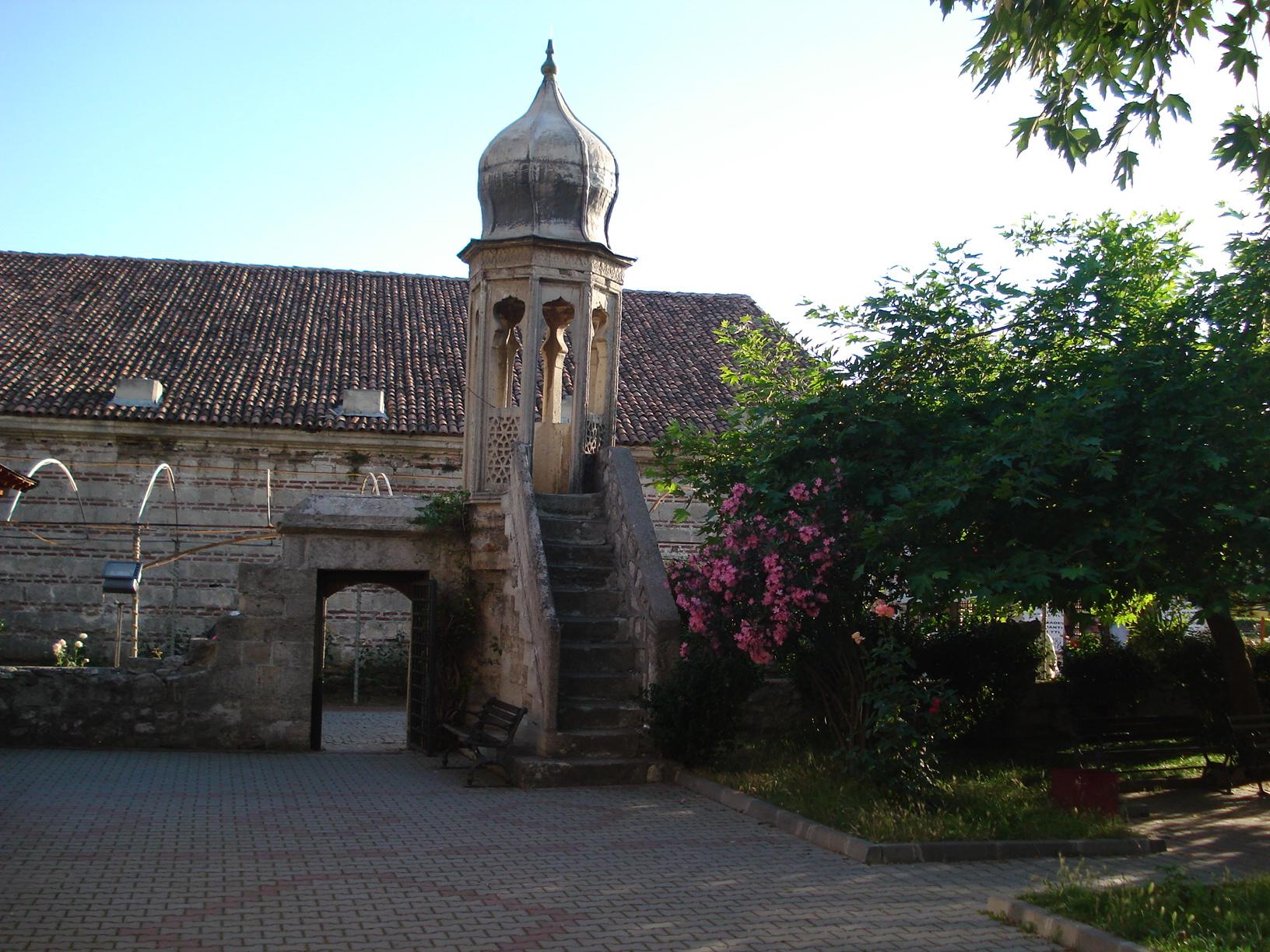 File:Sokullu Mehmet Paşa Camii.JPG - Wikimedia Commons