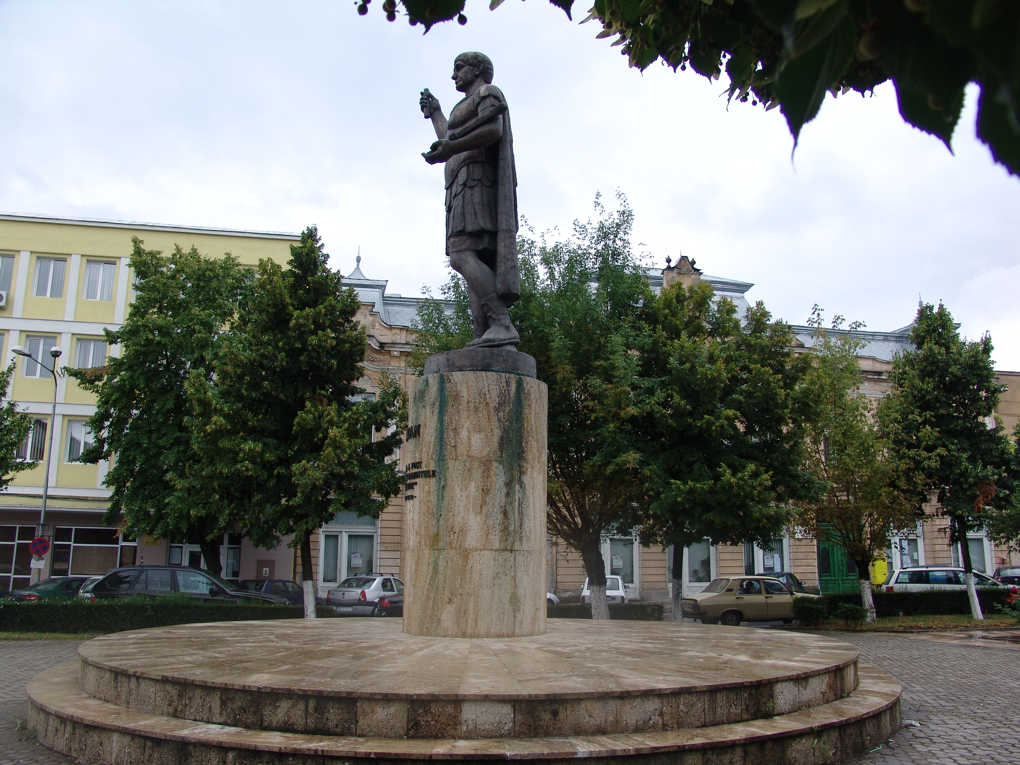 Deva Romania  city pictures gallery : Statue of Traian, Deva, Romania Wikimedia Commons
