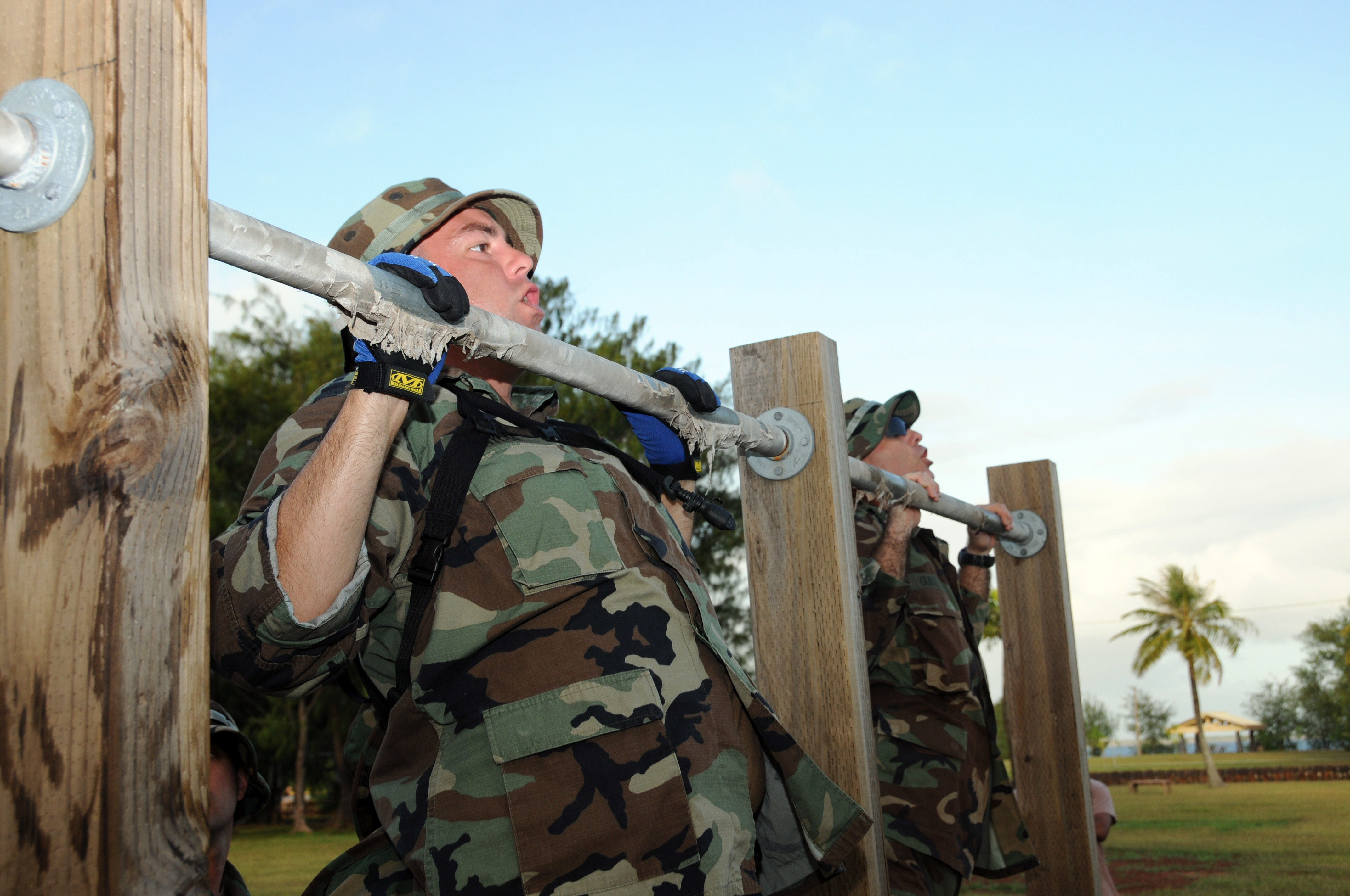 File:US Navy 100115-N-1906L-003 Master-at-Arms 3rd Class Chris ...