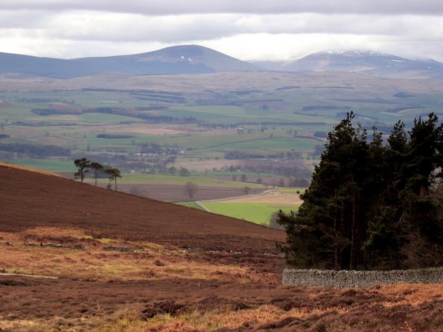 View of Hedgehope and Cheviot below Ros Castle - geograph.org.uk - 1142214