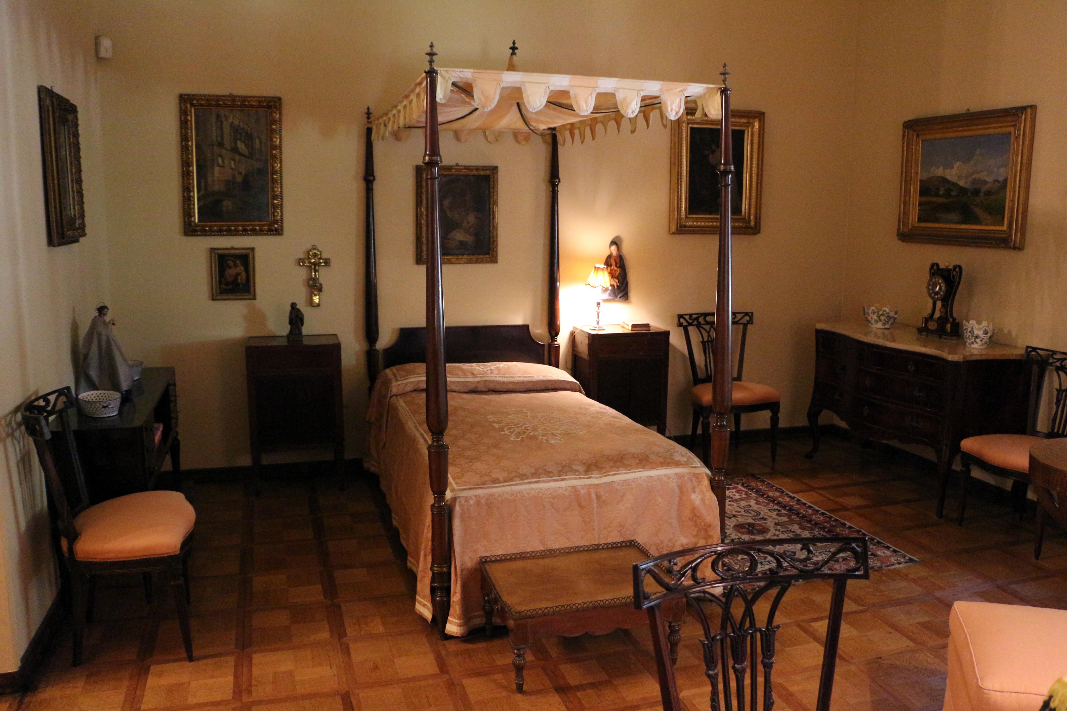 File villa necchi campiglio appartamento di nedda necchi camera da wikimedia commons - Dipinti camera da letto ...