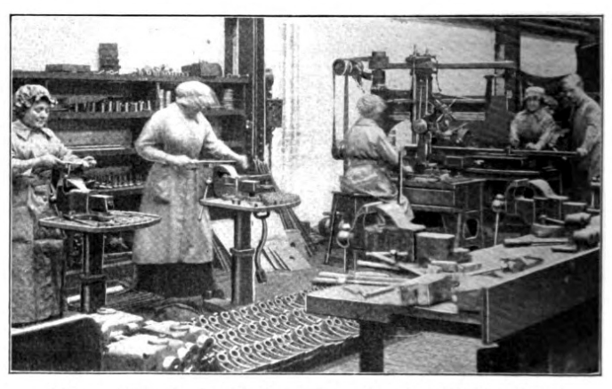File:WW1 Churchills Pendleton women at work 1916.png