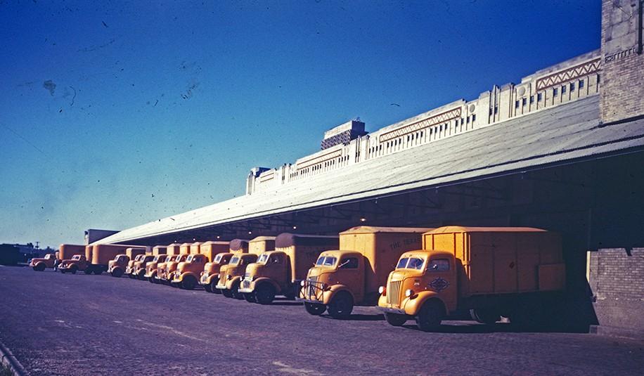 File:Warehouse Loading Docks, Texas & Pacific Railway ... Pacific Railway Company