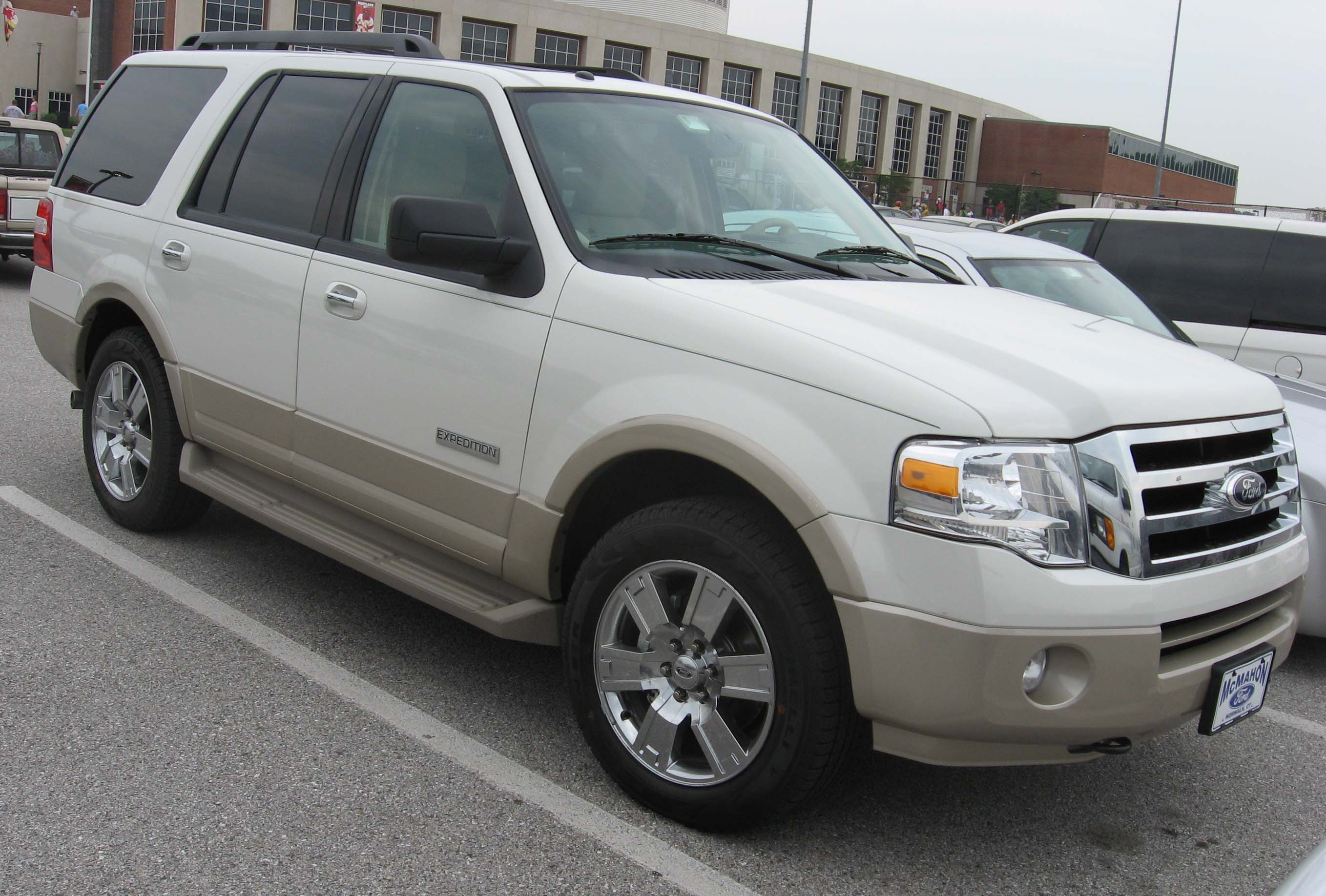 File 07 Ford Expedition Jpg Wikimedia Commons