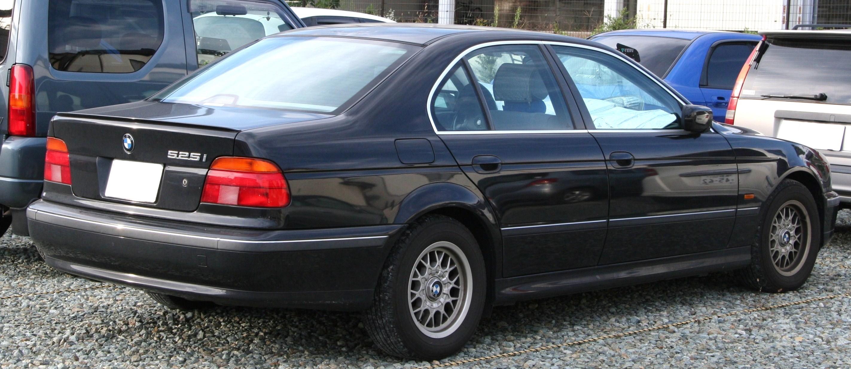 File BMW I Rearjpg Wikimedia Commons - 2010 bmw 525i