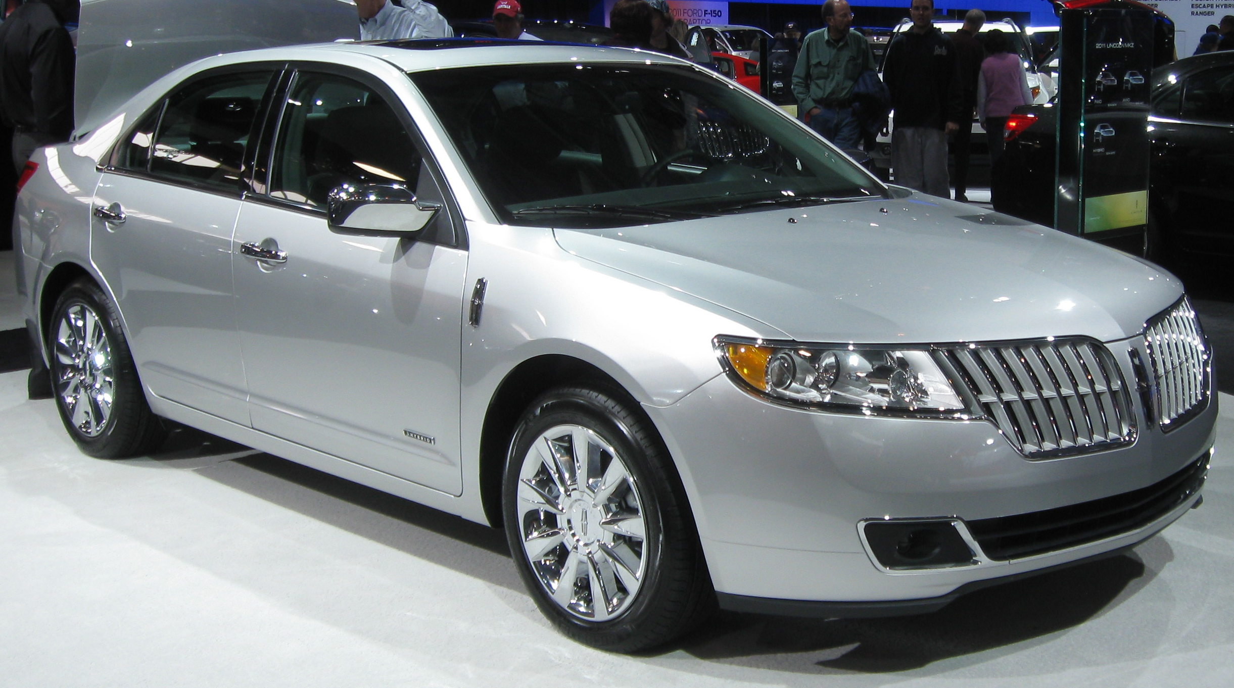 File:2011 Lincoln MKZ Hybrid -- 2011 DC.jpg - Wikimedia Commons
