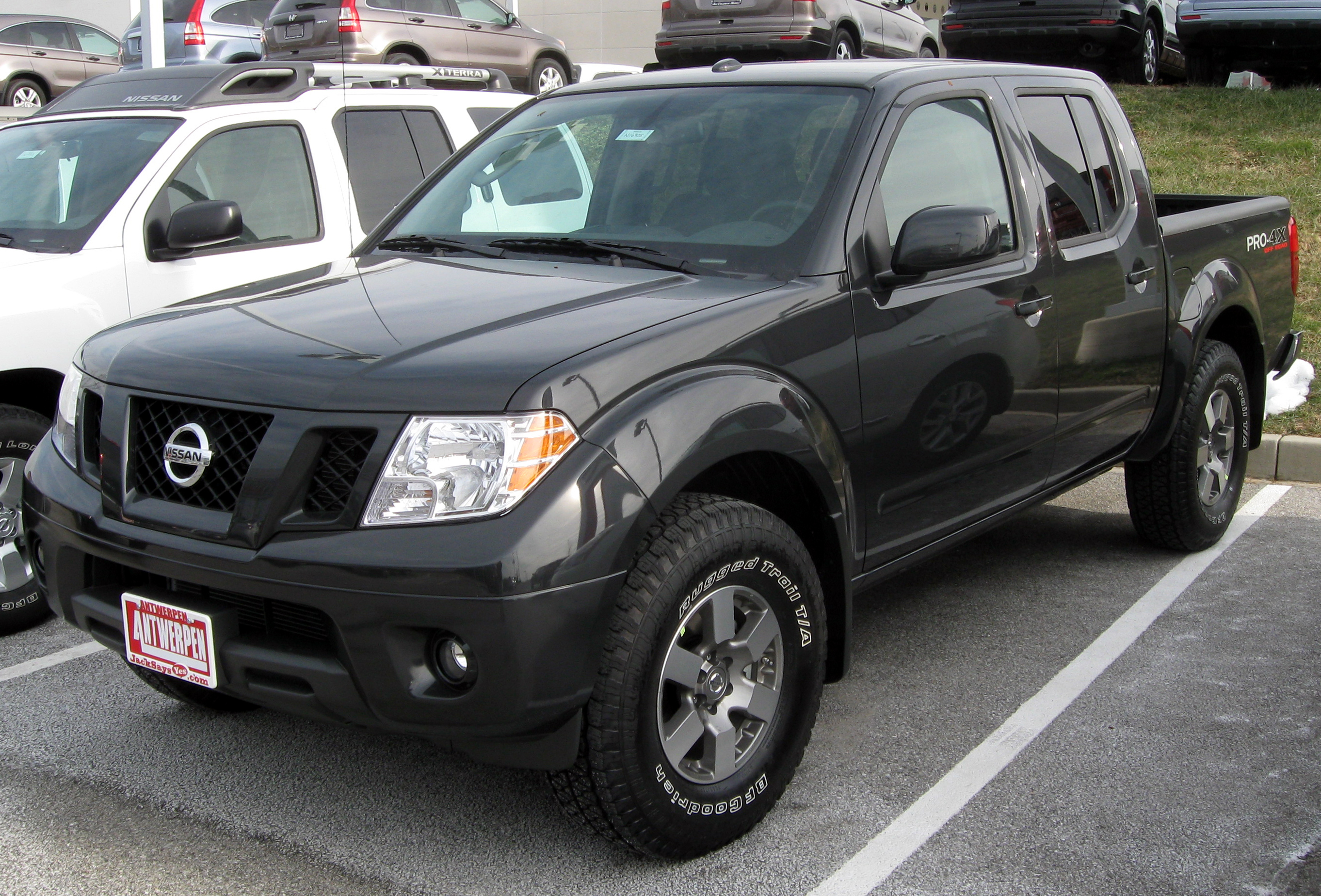 Description 2011 Nissan Frontier -- 12-31-2010.jpg