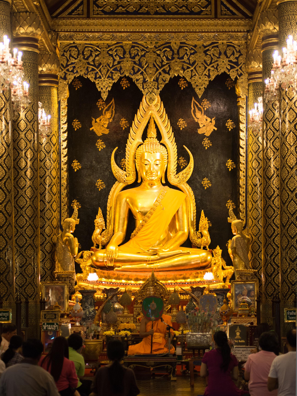 File2013 Phra Buddha Chinnarat 02