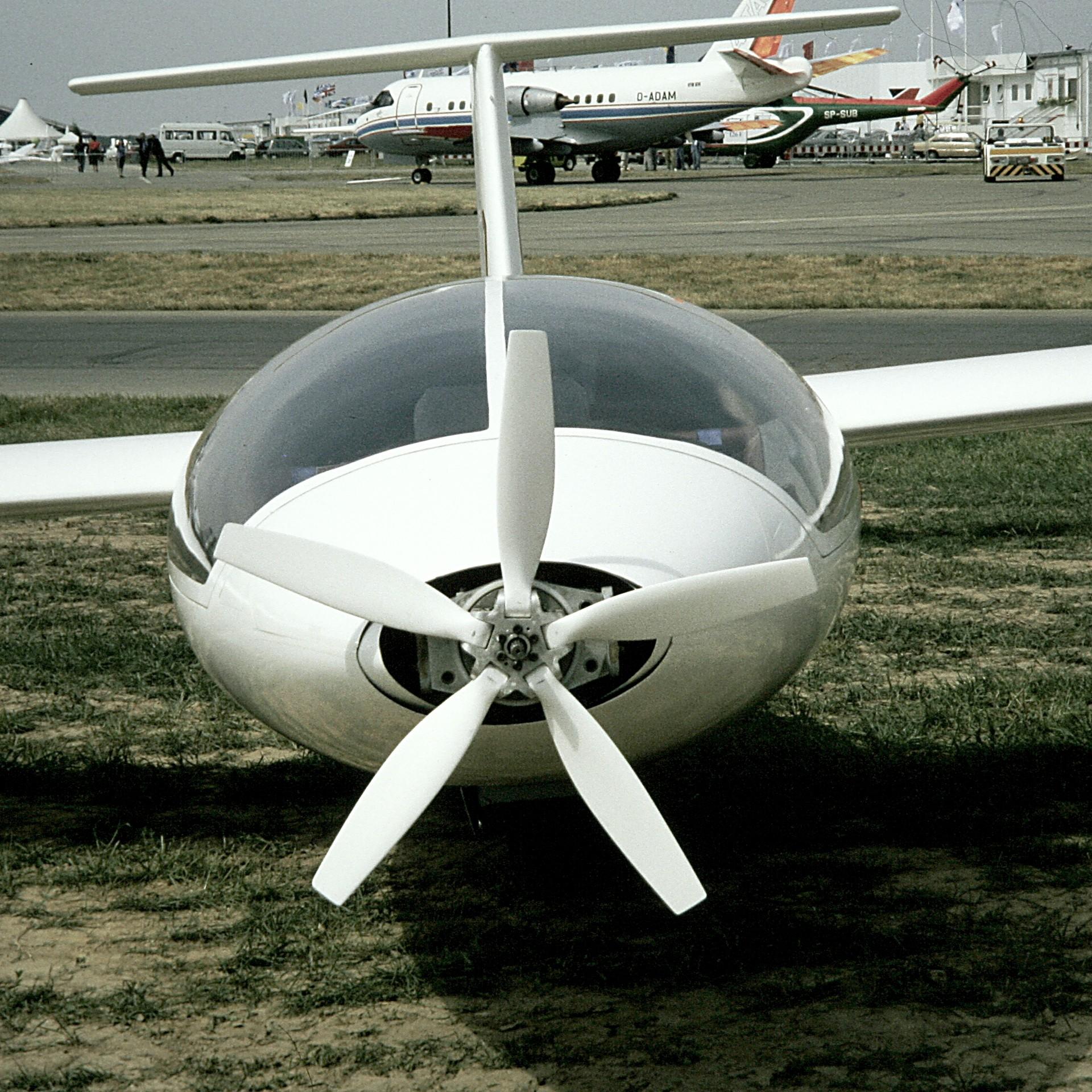 File:Akaflieg Berlin B13 Oehler-Propeller ILA Schoenefeld jpg