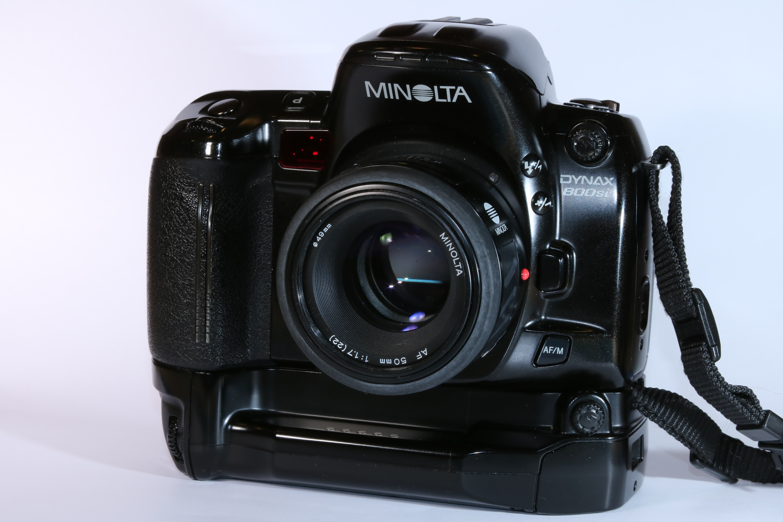 Spiegelreflexkamera Canon T70 , Objektiv 35-70m und Blitz in ...