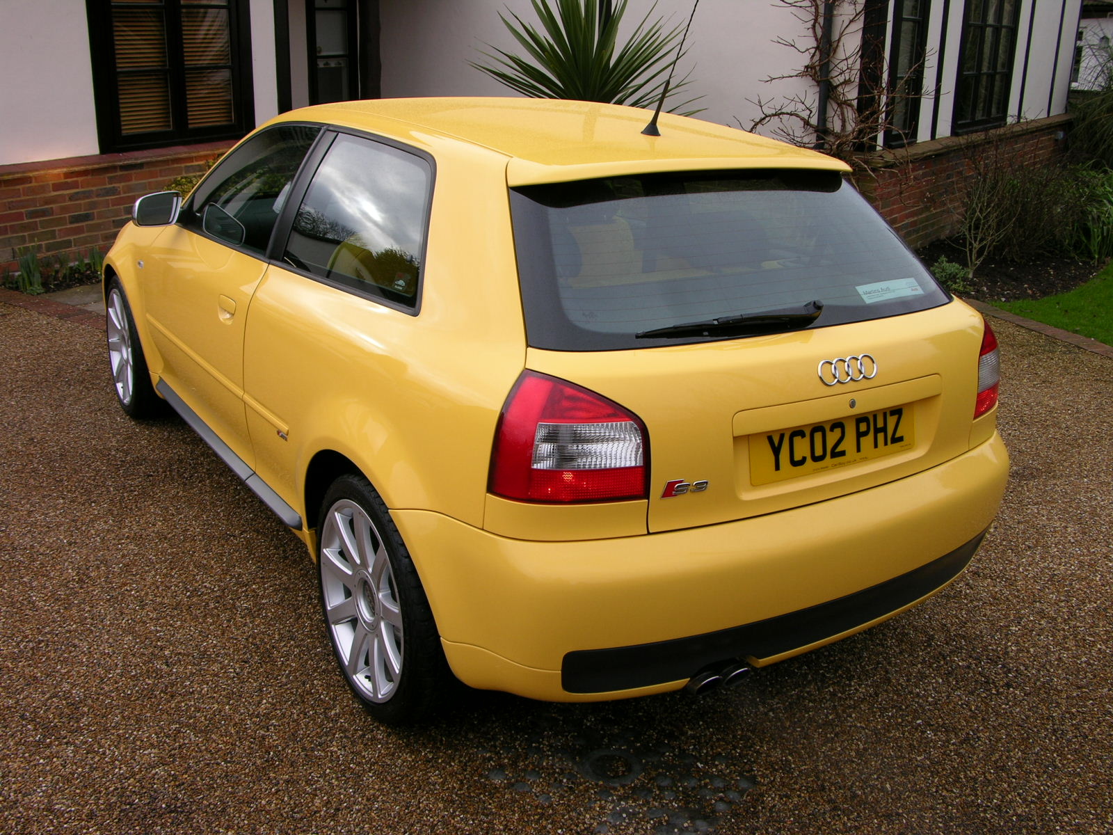 File audi s3 2002 imola yellow flickr the car spy 6 for Audi a3 3 puertas