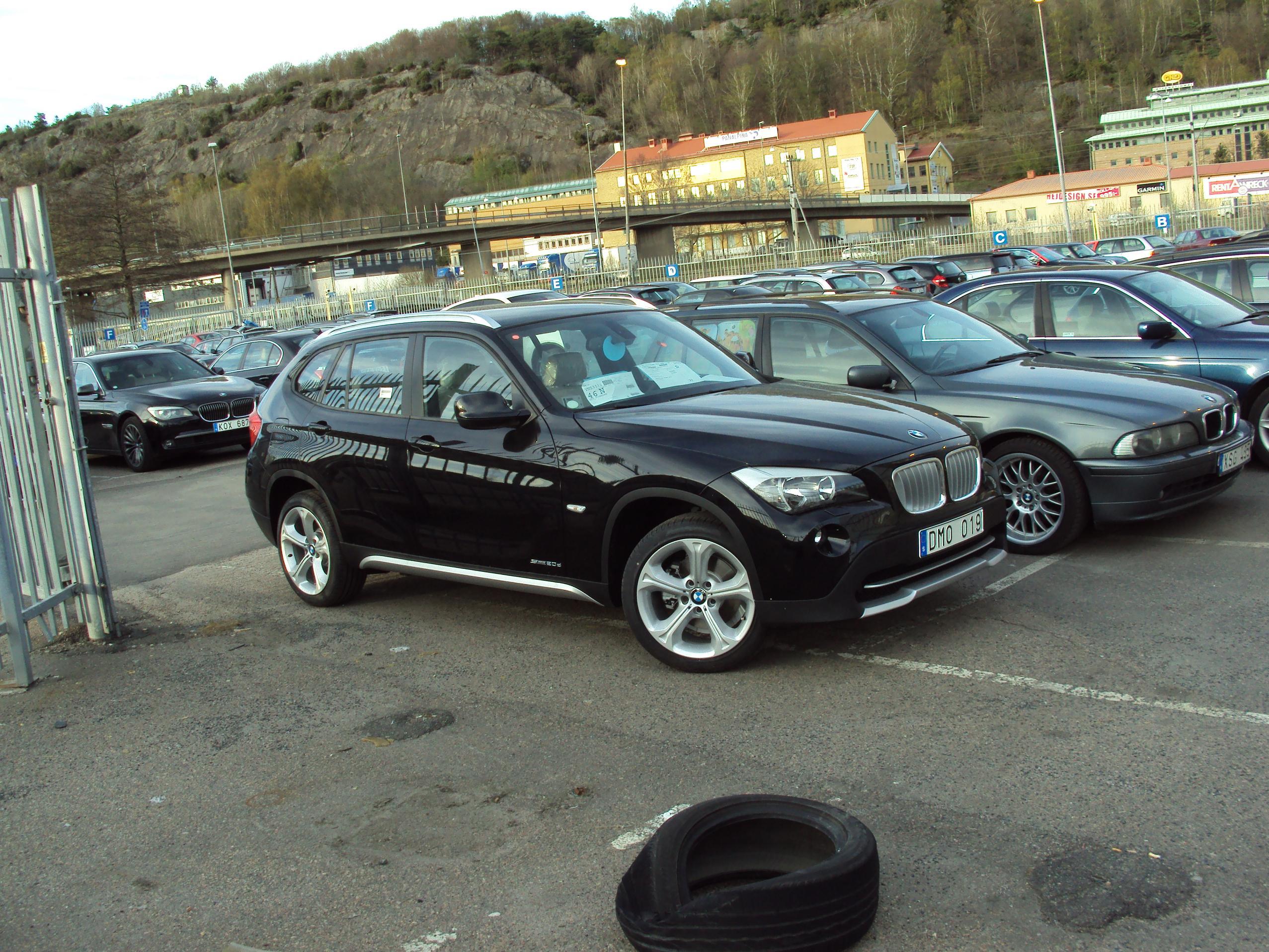 File BMW X1 S Drive 2 0d Wikimedia mons