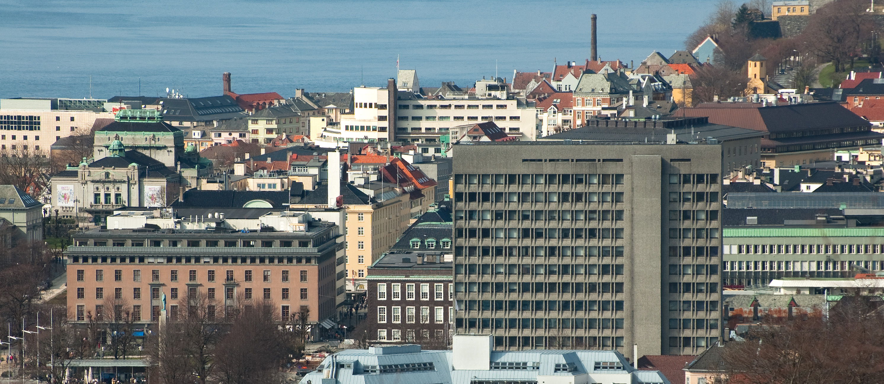 File:Bergen city centre April4 09.jpg - Wikimedia Commons