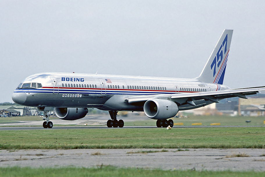 File boeing 757 200 farnborough 1982 for Interieur boeing 757