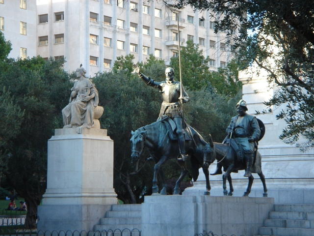 Sculptures of Don Quixote and Sancho Panza in Madrid