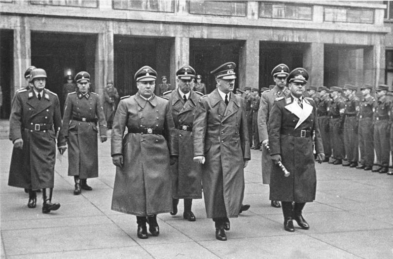 File:Bundesarchiv Bild 183-H0422-0502-001, Berlin, Beisetzung Oberst Werner Mölders.jpg