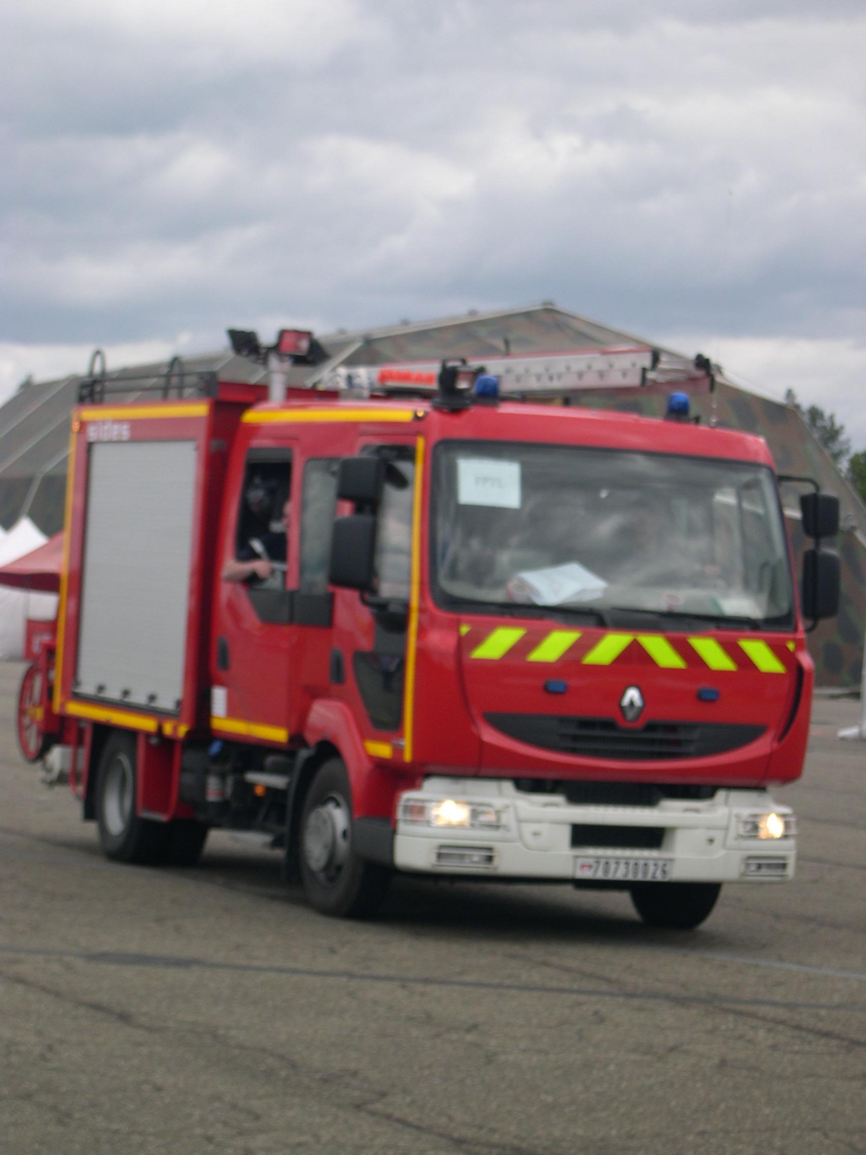 File camion pompiers de l 39 air jpg wikimedia commons - Lit camion de pompier ...