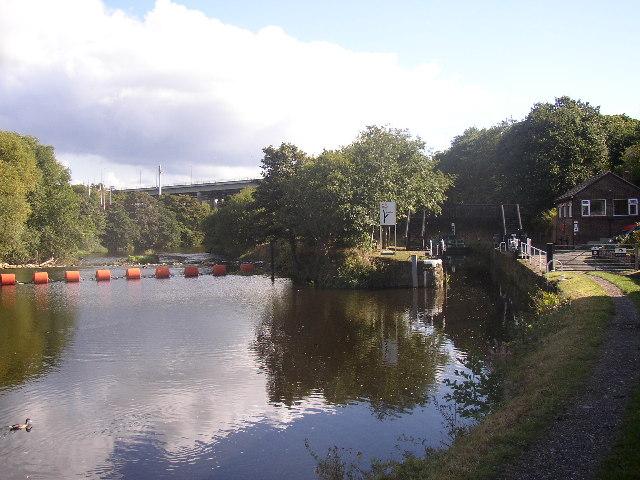 Canal Lock, Kirklees Cut, Rastrick - geograph.org.uk - 38948