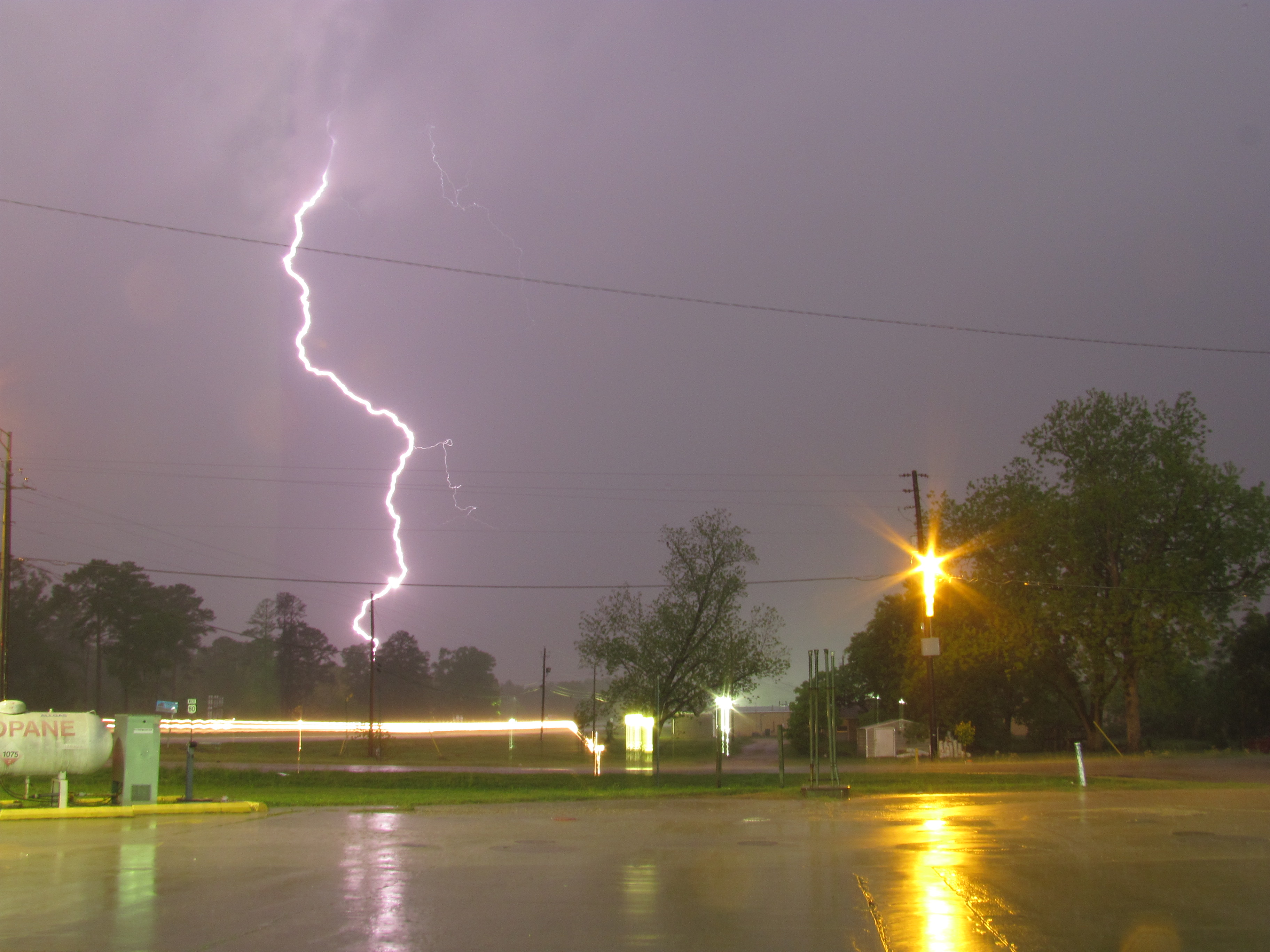 file cloud to ground lightning strike jpg wikimedia commons