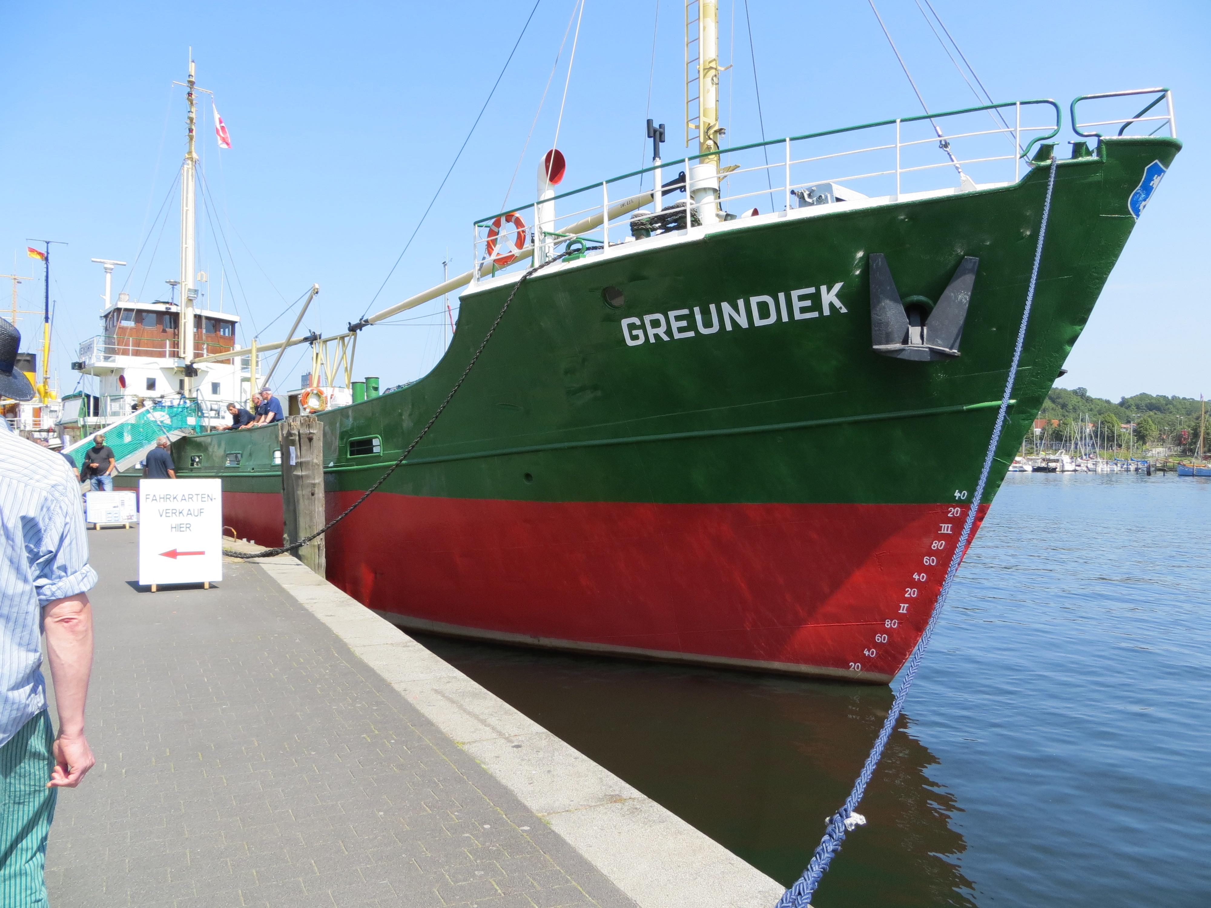 File:Dampf Rundum 2013, Greundiek, Bild 02.JPG - Wikimedia Commons