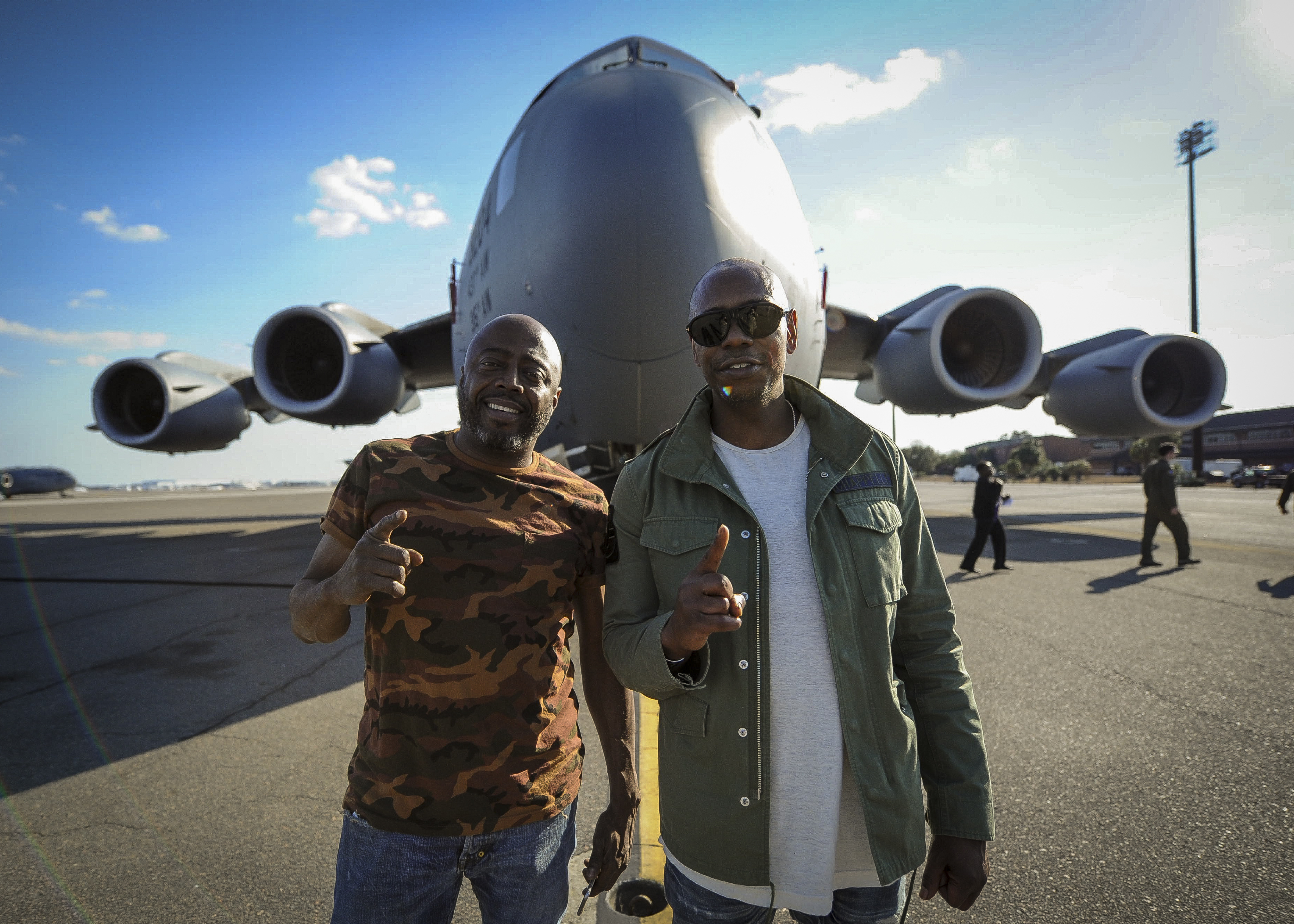 file dave chappelle and donnell rawlings stand in front of a c 17 globemaster iii 32666816002 jpg wikimedia commons https commons wikimedia org wiki file dave chappelle and donnell rawlings stand in front of a c 17 globemaster iii 32666816002 jpg