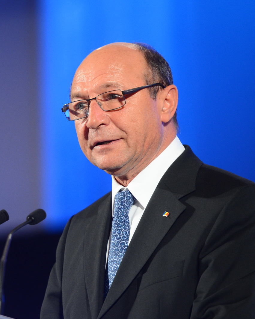 LIVE VIDEO si TEXT. Corespondenta speciala: Traian Băsescu ...  |Traian Basescu