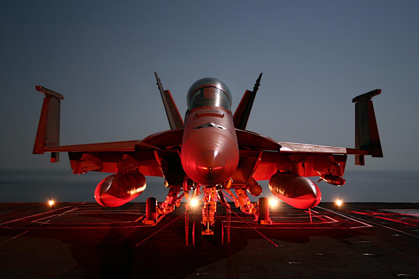 File:FA-18F Super Hornet Jolly Rogers edit 1.jpg ...