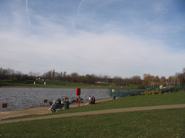 Fairlands Valley Park - geograph.org.uk - 361641