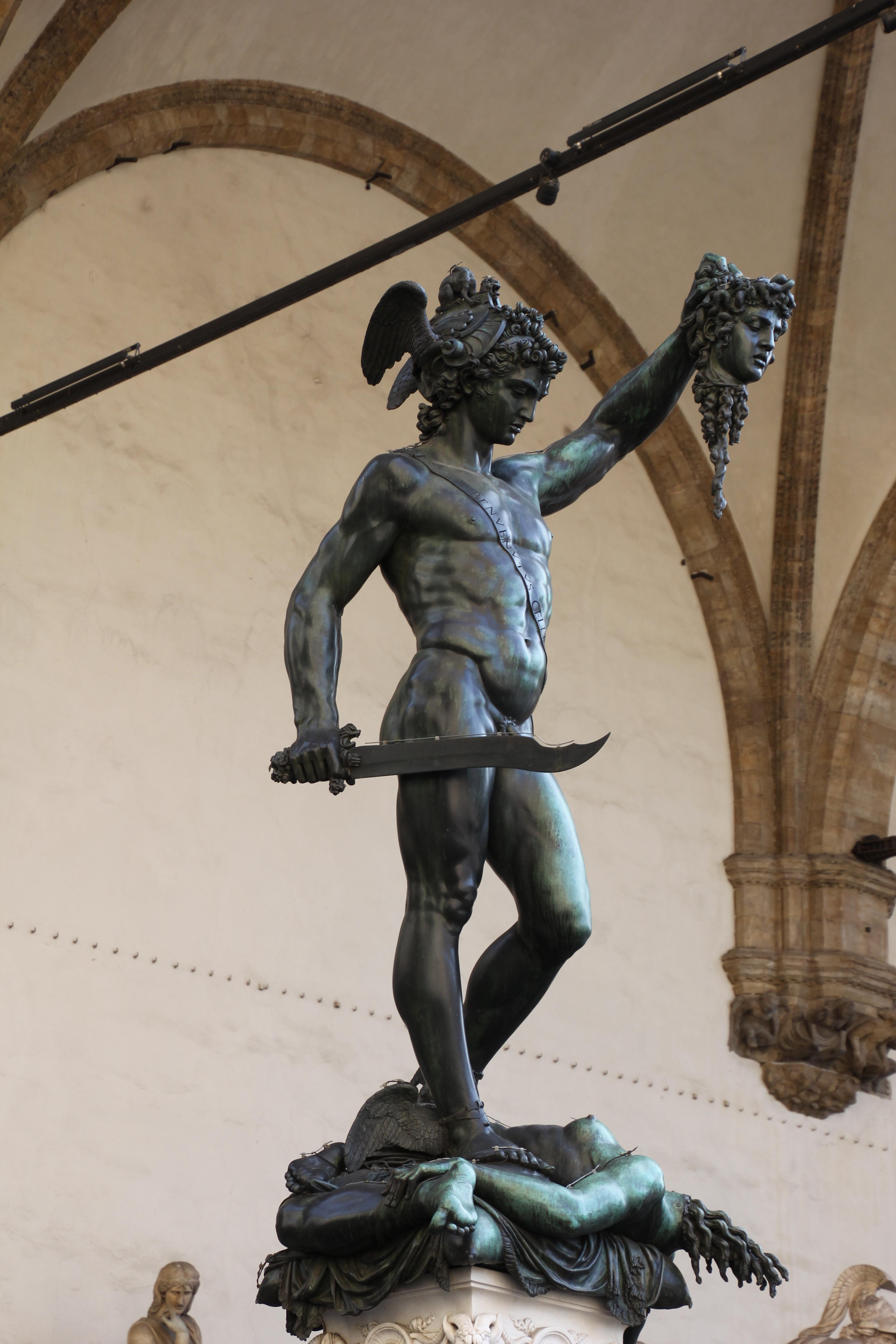 Firenze, Perseo con la testa di Medusa (01).jpg