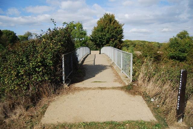 Friendship Bridge, Haysden Country Park - geograph.org.uk - 1527333