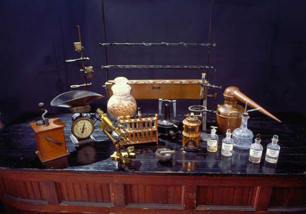 George Washington Carver-laboratory equipment.jpeg