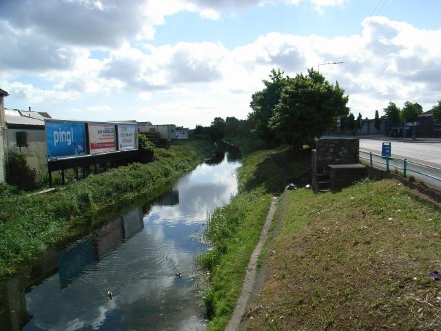 Grand Canal at Dolphin's Barn Bridge - geograph.org.uk - 440928