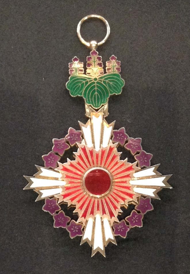 file grand cordon of the order of the paulownia flowers 001 jpg
