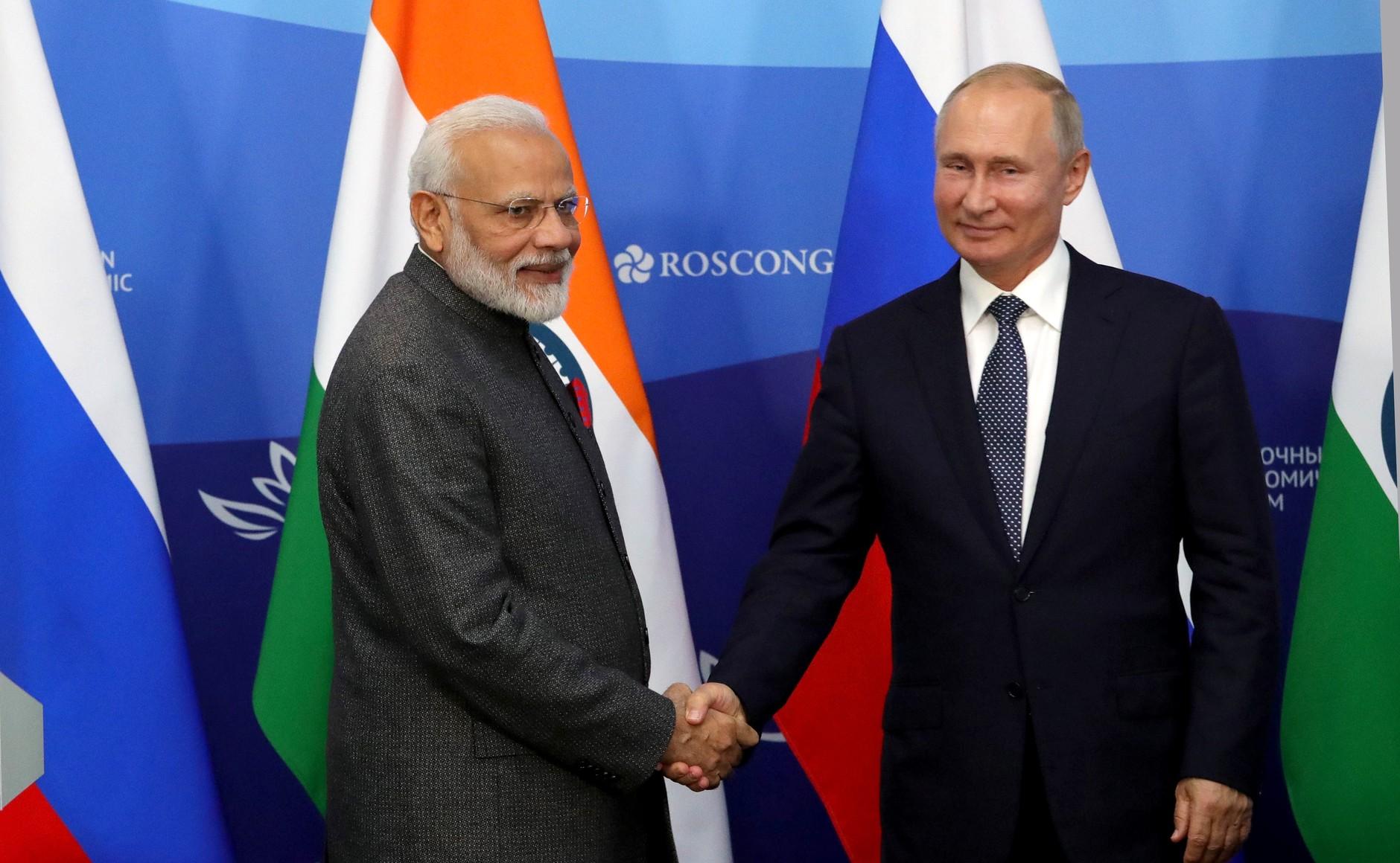 File:Indian Prime Minister Narendra Modi and Russian President Vladimir Putin make Press statements following talks (5).jpg - Wikimedia Commons